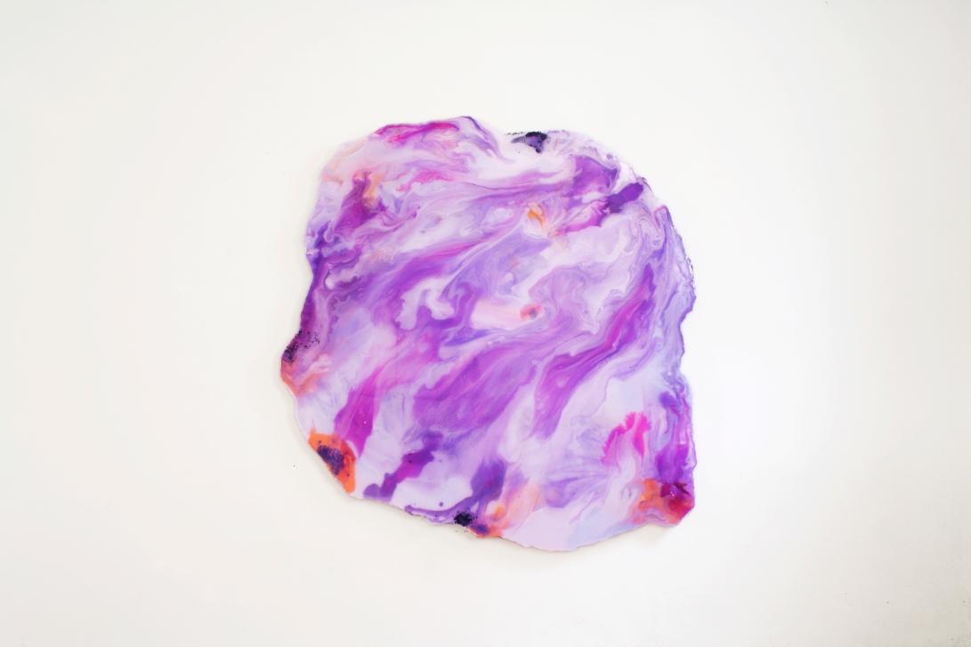 Isabella Nazzarri, Sedimento, resina epossidica, pigmenti e legno, 152x153 x 8 cm , 2018